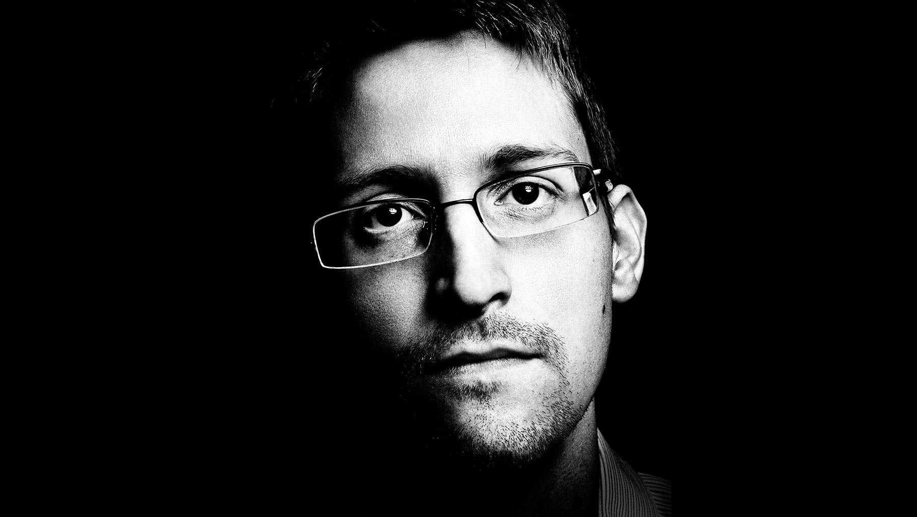 Edward Snowden - Edward Snowden μόνιμη άδεια παραμονής στη Ρωσία