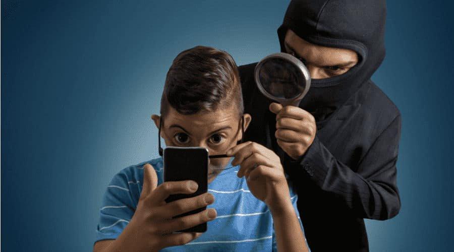 phone spy min 1 - Το τηλέφωνό σας καταγράφει. Σταματήστε την ακρόαση της Google
