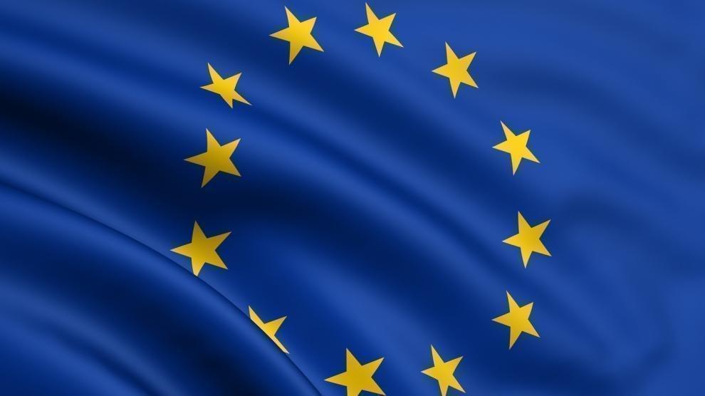 flag of the eu - ΕΕ ψήφισε υπέρ του δικαιώματος για επισκευή