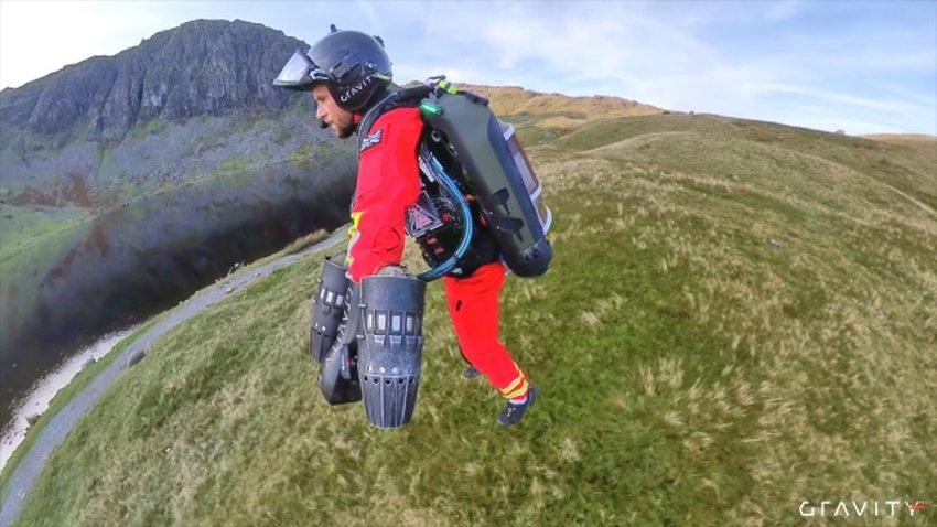 gravity jet pack - Οι πρώτες βοήθειες στη Αγγλία δοκιμάζουν το jet suit