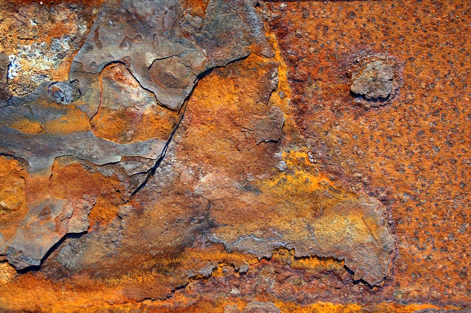 rust - Scientists have discovered rust on the Moon is impossible
